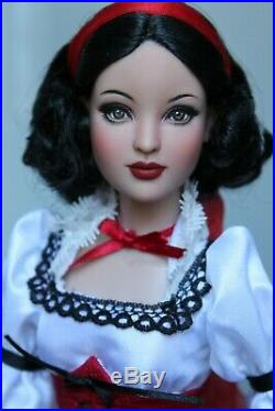 Tonner Tyler 15 OOAK DISNEY SNOW WHITE Repaint Doll with OUTFIT Artist SashaBleu